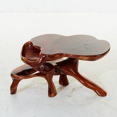 Soffbord i skuren massiv mahogny