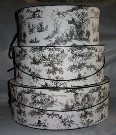 black and white hat boxes (in the future, I am going to store stuff only in pretty hat boxes).