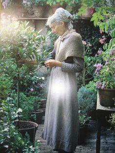 TASHA TUDOR: illustrator/artist,lover of children, nature a simple life ♥ Style Anglais, Tudor House, Grandma's House, Illustration, Wise Women, Life Is Beautiful, Amazing Women, Childrens Books, Dame