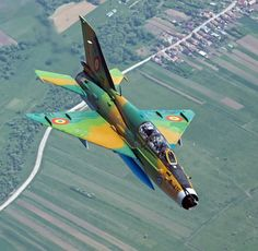 Airplane Fighter, Airplane Art, Air Force Aircraft, Fighter Aircraft, Jet Fighter Pilot, Fighter Jets, Mig 21, Aircraft Design, Aircraft Pictures