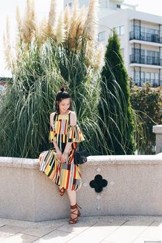 Japanese Fashion Blogger,MizuhoK,OOTD,Shein_Multicolor Vertical Stripe Print Ruffled Dress,Laceup sandals,Light in the box_crossbody,Hoop earrings,Feminine casual style