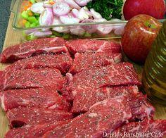 Boneless Beef Chuck Ribs Recipe, Boneless Beef Short Ribs, Beef Ribs Recipe, Beef Chuck Short Ribs, Beef Gravy Recipe, Grilled Short Ribs, Cooking Short Ribs, Rib Recipes