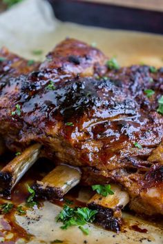 Honey Balsamic Slow Cooker Pork Ribs from The Food Charlatan. These slow cooker pork ribs are fall-off-the-bone delicious! The slow cooker makes them incredibly tender and moist, and the honey balsami Crock Pot Recipes, Fall Crockpot Recipes, Pork Rib Recipes, Crockpot Meals, Dinner Crockpot, Tasty Slow Cooker Recipes, Fall Recipes, Yummy Recipes, Chicken Recipes