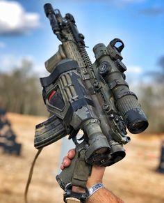 What the fuck is that Military Weapons, Weapons Guns, Guns And Ammo, Tactical Rifles, Firearms, Shotguns, Ar15 Pistol, Battle Rifle, Custom Guns