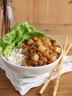 Braised Pork with Potatoes & Carrots. Braised minced pork potato and carrot - An Asian-inspired comfort food. Mince Recipes, Carrot Recipes, Potato Recipes, Pork Recipes, Asian Recipes, Ethnic Recipes, Chinese Recipes, Chicken Recipes For Kids, Baby Food Recipes