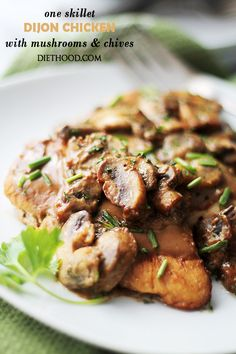 One Skillet Dijon Chicken with Mushrooms and Chives | www.diethood.com | Delicious and tender chicken cooked in a lightened-up Dijon Cream Sauce loaded with mushrooms and chives. One skillet, super EASY dinner, and it's done in under 30 minutes!