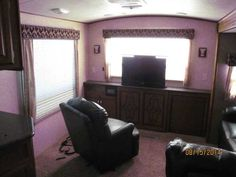 2013 Used Winnebago One 30RE Travel Trailer in Illinois IL.Recreational Vehicle, rv, 2013 Winnebago One 30RE, The trailer is a one-owner, is in excellent condition both inside and outand, has been slightly used. It has an all aluminum superstructure with high-gloss fiberglass body panels. The main slideout encompasses the entire living area and creates an open, relaxed area. The secondary slideout is a wardrobe located in the bedroom. The dry weight of the trailer is 8,800 lbs. The overall…