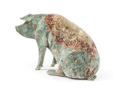 Wim Delvoye (1965) Stuffed and tattooed pigs. Back to Art Farm. Pigskin on polyester mould.