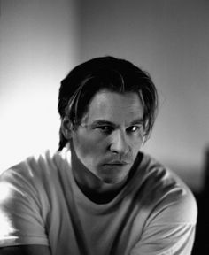 Val Kilmer wins staring contests.