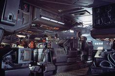 Nostromo Bridge from Alien 1979 Alien Films, Aliens Movie, Alien 1979, Concept Art Alien, Spaceship Concept, Nostromo Alien, Alien Isolation, Spaceship Interior, Sci Fi Thriller