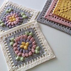 Happy Sunday everyone! Crochet Blocks, Granny Square Crochet Pattern, Crochet Flower Patterns, Crochet Squares, Crochet Motif, Crochet Flowers, Knitting Patterns, Granny Squares, Crochet Home