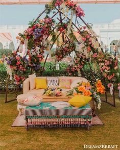 13 Cheerful & Striking Decor Setups For Your Mehndi Ceremony Mehendi Decor Ideas, Mehndi Decor, Bridal Corner, Mehndi Ceremony, Wedding Ceremony, Sitting Arrangement, Painted Trunk, Acrylic Chair, Mushroom Decor