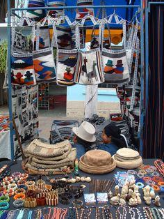 Mercado de los Ponchos Otavalo