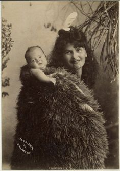 Photograph (black and white); portrait of a Maori woman carrying baby on her back; New Zealand. Tonga, Tahiti, Polynesian People, Maori People, Maori Designs, Maori Art, Kiwiana, Cultural, People Of The World
