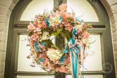 Kolekce | Jarní kolekce 2018 - SPRING PASTELS | Květiny Petr Matuška Brno - dekorace, floristika, řezané květiny, svatební kytice Floral Wreath, Wreaths, Spring, Home Decor, Floral Crown, Decoration Home, Door Wreaths, Room Decor, Deco Mesh Wreaths