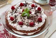 Lagkage med rugbrødsbunde   Rugbrøds-lagkage med hindbær