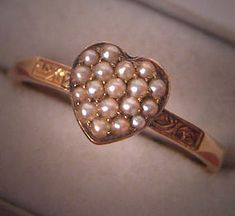Love this vintage sweetheart ring