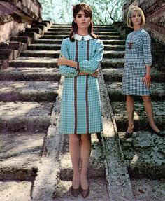 Colleen Corby for Dacron Fabrics, 1966 mid blue white gingham shift day dress schoolgirl tab collar knee lengths models magazine print ad vintage fashion style 60s And 70s Fashion, Mod Fashion, Trendy Fashion, Fashion Models, Vintage Fashion, Fashion Images, Gothic Fashion, Sporty Fashion, Fashion Women