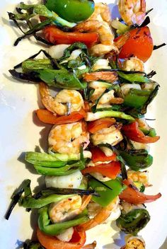 Cindy's Grilled Shrimp and Scallop Kebobs Grilled Seafood, Grilled Meat, Flank Steak Salad, Grilled Romaine Salad, Fresh Scallops, Grilled Artichoke, Steak Fajitas, How To Cook Fish, Skirt Steak