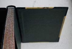 Graphite edge I might as well write something about it, because I just made one. Polished graphite edge prevents dust from settling on top of the edge or entering the book. It is very simple to make...