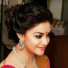 Keerthy Suresh (aka) Keerthi Suresh photos stills & images Beautiful Girl Indian, Most Beautiful Indian Actress, Latest Hairstyles, Cool Hairstyles, Best Heroine, Unique Faces, Hair Images, Dress Picture, Indian Beauty Saree