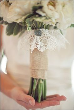 I love the overhanging little bit of lace.. It would be so sentimental if mother of the bride or grandmother knitted it!