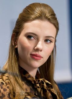 Scarlett Johansson After Nose Job aesthetic aesthetic surgery job job before and after remodelling Scarlett And Jo, Black Widow Scarlett, Black Widow Natasha, Scarlett Johansson, Celebrity Plastic Surgery, Famous Women, Hollywood Actresses, Hollywood Fashion, Beautiful Actresses