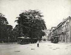Augusto Malta. Passeio público na Lapa - vendo-se os ônibus da Cia. Jardim Botânico, 1906. Rio de Janeiro / Acervo IMS