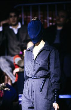 See the complete Maison Margiela Fall 1995 Ready-to-Wear collection.