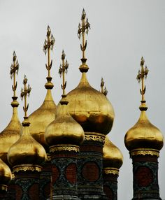 Moscow, Russia... reminds me of a poem I read last year about the Gold Dome with Crosses. Beautiful!