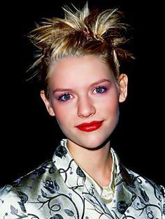 claire is rocking the 90s hairstyles!