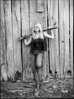 Senior picture poses for Katie Jane !! perfect for her !! she owns way to many guns lol