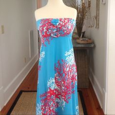 Lilly Pulitzer Strapless Maxi Dress Beautiful strapless maxi dress from Lilly Pulitzer. EUC. 92% cotton, 8% spandex. Machine wash cold, tumble dry low. No trades or Paypal please. Lilly Pulitzer Dresses Maxi