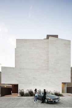 Casa Caja I / Massive Order