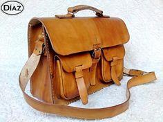 As much as I love my bookbag, I really am a messenger bag girl.