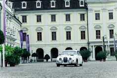 Romantik pur im Schloßhof in Ludwigsburg! Mansions, House Styles, Home Decor, Mansion Houses, Homemade Home Decor, Villas, Fancy Houses, Interior Design, Home Interiors