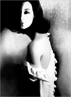 vintage everyday: Amazing Black and White Fashion Photography by Lillian Bassman… Moon Photography, Digital Photography, Fashion Photography, Conceptual Photography, Vintage Photography, Art Beat, John Kenny, Mode Collage, New York Times Arts