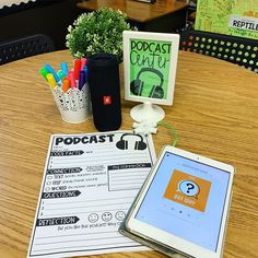 Podcasts in the classroom for my kiddos might have been the best choice I've m. Podcasts im Klassenzimmer für meine Kinder waren . Teaching Technology, Teaching Tools, Teaching Ideas, 4th Grade Classroom, Future Classroom, Library Lessons, Library Ideas, Classroom Inspiration, Classroom Ideas