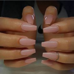 Discover the 10 most popular nail polish colors of all time! - My Nails Perfect Nails, Gorgeous Nails, Pretty Nails, Cute Acrylic Nail Designs, Best Acrylic Nails, Aycrlic Nails, Swag Nails, Coffin Nails, Grunge Nails