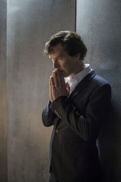 """Benedict Cumberbatch as Sherlock Holmes in the episode """"The Final Problem"""""""