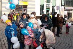 25 октября в Риге прошло шествие в поддержку традиционной семьи, организованное обществом «Наши дети», в котором приняло участие более 500 человек.