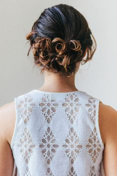 Hair tutorial: How to Do a Romantic Curly Updo
