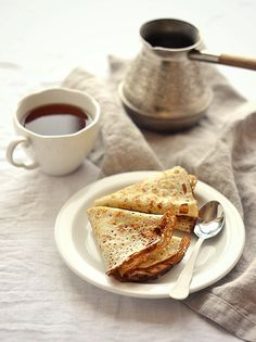 Coffee  crêpes for breakfast…Use 1 ts instant coffee instead of salt in the mix