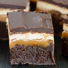 Combining brownies with a classic Snickers bar results in an incredible dessert experience. A thick triple chocolate brownie base, layered with gooey caramel, nutty marshmallow nougat, and topped with creamy chocolate. Caramel Recipes, Brownie Recipes, Cake Recipes, Dessert Recipes, Cookie Dough Cake, Chocolate Chip Cookie Dough, Snicker Brownies, Snickers Bar, Brownie Bar