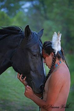 White Wolf : 16 Photos of Diana Volk Capture The Beauty of Native Americans Native American Horses, Native American Wisdom, Native American Beauty, Native American Photos, American Spirit, Native American History, American Indians, American Art, Indian Horses