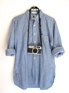 Chambray shirt , white jeans, espadrilles & Camera..all set!