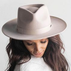 This women's rancher hat has a brim and crown trimmed with tonal grosgrain ribbon and a slightly curled up brim. As far as women's western hats go, the Monroe in Ivory is definitely one of our most popular designs. Womens Western Hats, Leather Accessories, Fashion Accessories, Cowgirl Hats, Red Carpet Event, Fedora Hat, Grosgrain Ribbon, Panama Hat, Curls