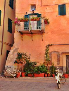 Un rincón con encanto, Albenga, Liguria, Italy Savona