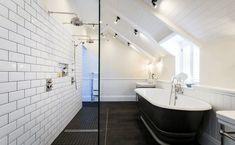 New England style bathroom - double shower. Beach Theme Bathroom, Diy Bathroom Decor, Bathroom Styling, Bathroom Ideas, Bathroom Designs, Bathroom Hacks, Funny Bathroom, Wooden Bathroom, Bathroom Layout