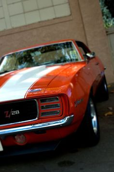 1969 Chevrolet Camaro coupe RS / Rally Sport 302 cid 290 horsepower DZ small block 4 speed transmission in Hugger Orange Chevrolet Camaro, Chevy Camaro, Camaro 1969, 70 Chevelle, Gp Moto, Chevy Muscle Cars, Ex Machina, Sweet Cars, Us Cars